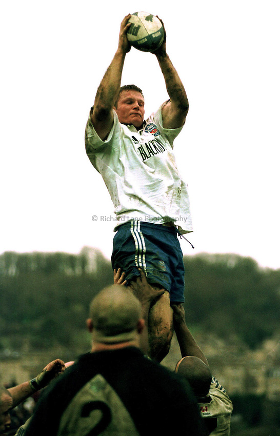 Photo Richard Lane. .Bath v Saracens. 19/12/98..Ben Sturnham wins a line out after coming on as a replacement against his old club, Sararcens.