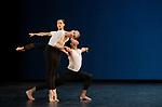 Cross Currents (7 MIN)<br /> <br /> CHORÉGRAPHIE Merce Cunningham<br /> COMPAGNIE The Royal Ballet<br /> REMONTÉE PAR Daniel Squire<br /> MUSIQUE Conlon Nancarrow (Rhythm Studies for Player Piano)<br /> COSTUMES Merce Cunningham <br /> LUMIÈRES Clifton Taylor d'après Beverly Emmons<br /> AVEC Romany Pajdak, Julia Roscoe, Joseph Sissens<br /> LIEU Théâtre National de la Danse de Chaillot<br /> VILLE Paris<br /> DATE 22/10/2019<br /> CADRE Centenaire de Merce Cunningham<br /> PIÈCE CRÉÉE LE 31 JUILLET 1964 AU SADLER'S WELLS THEATRE (LONDRES)