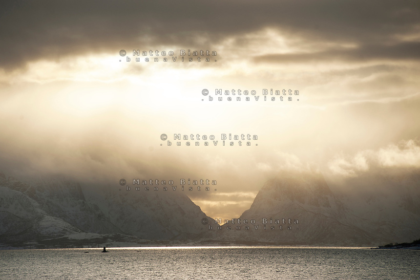 Isole Lofoten nella foto fiordi geografico Svolv&aelig;r 12/02/2016 foto Matteo Biatta<br /> <br /> Lofoten Islands in the picture fiords geographic Svolv&aelig;r 12/02/2016 photo by Matteo Biatta