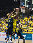 09.06.2019, EWE Arena, Oldenburg, GER, easy Credit-BBL, Playoffs, HF Spiel 3, EWE Baskets Oldenburg vs ALBA Berlin, im Bild<br /> Rickey PAULDING (EWE Baskets Oldenburg #23 )<br /> Joshiko SAIBOU (ALBA Berlin #1 ) Niels GIFFEY (ALBA Berlin #5 )<br /> Foto © nordphoto / Rojahn