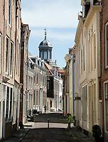 Middelburg- Historisch centrum van Middelburg. Spanjaardstraat. In de verte  staat de Oostkerk