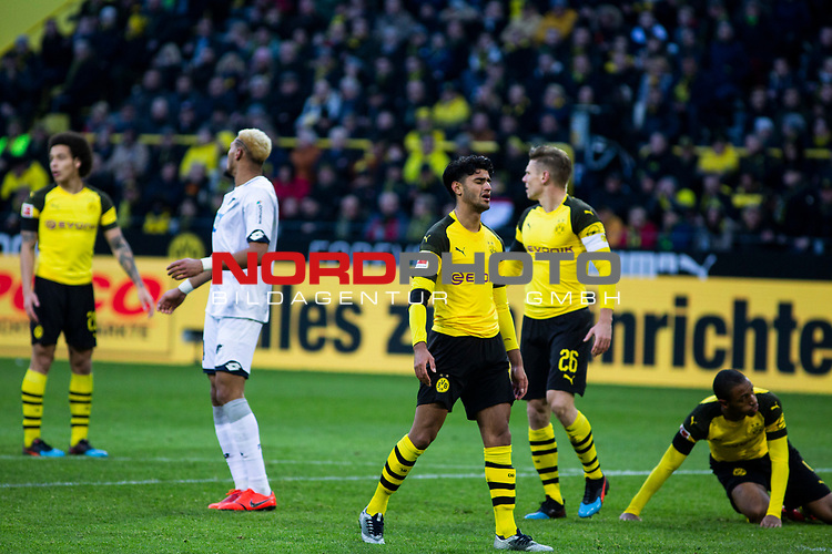 09.02.2019, Signal Iduna Park, Dortmund, GER, 1.FBL, Borussia Dortmund vs TSG 1899 Hoffenheim, DFL REGULATIONS PROHIBIT ANY USE OF PHOTOGRAPHS AS IMAGE SEQUENCES AND/OR QUASI-VIDEO<br /> <br /> im Bild | picture shows:<br /> Entt&auml;uschung bei Mahmoud Dahoud (Borussia Dortmund #19) und Lukasz Piszczek (Borussia Dortmund #26),  <br /> <br /> Foto &copy; nordphoto / Rauch