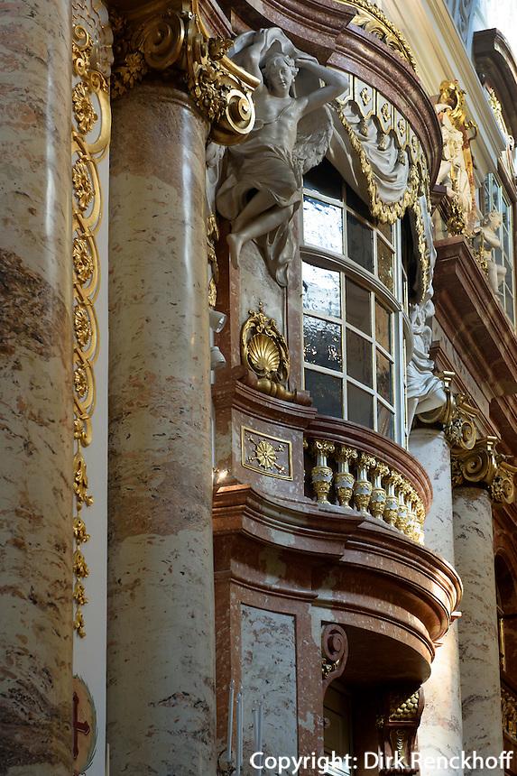 Barocker Innenraum der Karlskirche, Wien, &Ouml;sterreich, UNESCO-Weltkulturerbe<br /> Baroque interior of Charles church , Vienna, Austria, world heritage