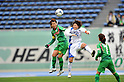 (L to R) Azusa Iwashimizu (Beleza), Natsuki Muraoka (AS Elfen Sayama),.APRIL 22, 2012 - Football/Soccer : 2012 Plenus Nadeshiko League,2nd sec match between NTV Beleza 3-0 AS Elfen Sayama FC at Komazawa Olympic Park Stadium, Tokyo, Japan. (Photo by Jun Tsukida/AFLO SPORT) [0003]
