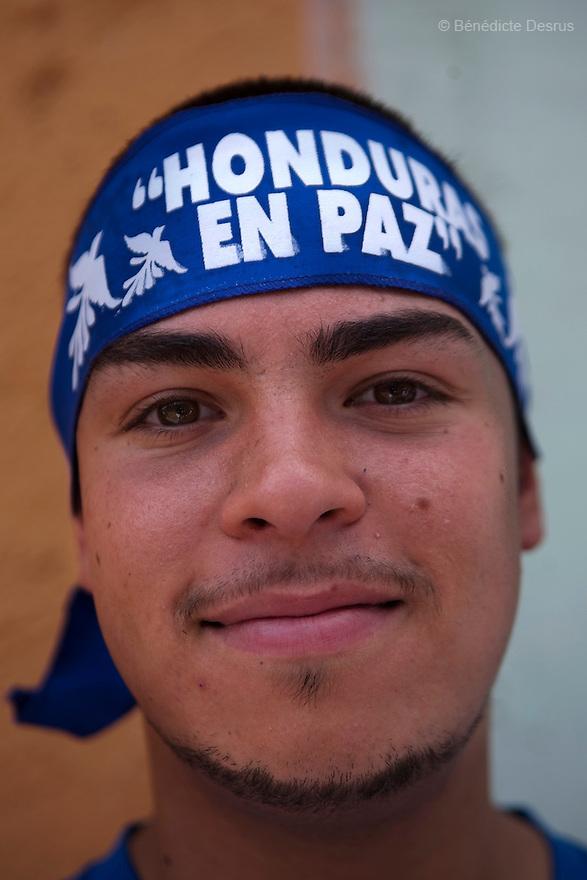 7 July 2009 - Tegucigalpa, Honduras  Supporters of Honduras' interim President Roberto Micheletti during a rally in Tegucigalpa, capital of Honduras. Photo credit: Benedicte Desrus