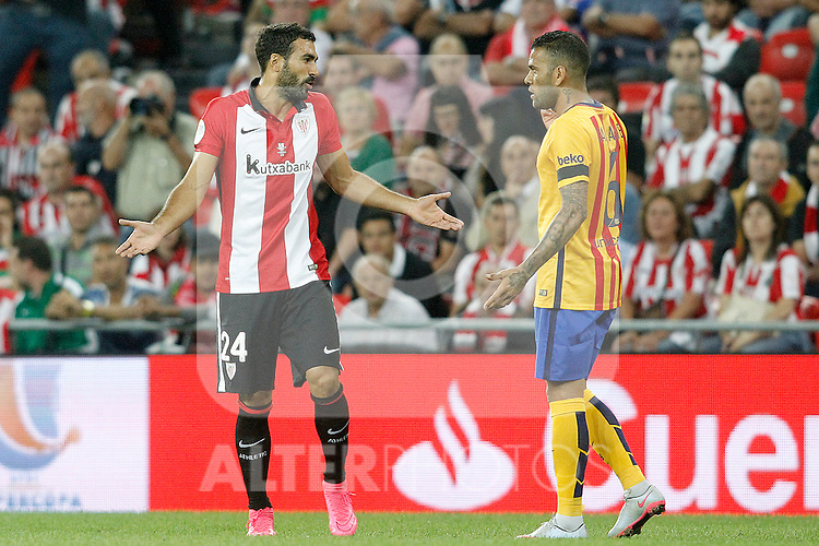 Athletic de Bilbao's Mikel Balenziaga (l) and FC Barcelona's Daniel Alves during Supercup of Spain 1st match.August 14,2015. (ALTERPHOTOS/Acero)