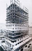 New York City: Flatiron Building, 1901. D.H. Burnham. BLACK, OLD NEW YORK, p. 132. Reference only.