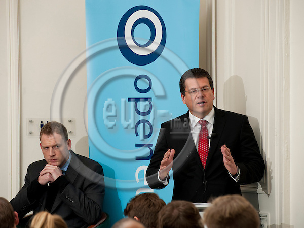 Brussels-Belgium - November 29, 2011 -- 'Transparency and accountability in the EU institutions: What has been achieved and what are the challenges? A panel debate organised by Open Europe and Edelman / The Centre; here, Mats PERSSON (le), Director, Open Europe; and Maros SEFCOVIC (ri), Vice-President of the European Commission and European Commissioner for Inter-Institutional Relations and Administration, during his keynote speech -- Photo: Horst Wagner / eup-images