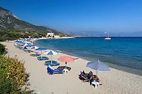 Greece, Aegean Islands, Southern Sporades, Island Samos, village Limnionas: View over beach | Griechenland, Aegaeis, Suedliche Sporaden, Insel Samos, Limnionas: Strand
