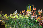 Imperatriz Leopolinense Samba School, Carnival, Rio de Janeiro, Brazil, 26th February 2017. Float carrying the Indians from the Alto Xingu Indigenous Park. Tafukumã Kalapalo, Jakalo Kuikuro and Makawana Yawalapiti born in the green hands of the forest.