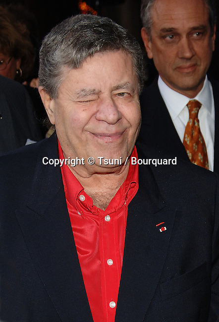 Jerry Lewis arriving at the POSEIDON Premiere at the Chinese Theatre in Los Angeles. May 10, 2006.