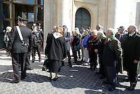 Roma, 16 Aprile 2015<br /> Partigiane e partigiani in piazza Montecitorio in attesa di entrare in Aula.<br /> Celebrazione alla Camera dei deputati del 70° anniversario della liberazione dal nazifascismo.