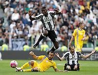 Calcio, Serie A: Juventus vs Sampdoria. Torino, Juventus Stadium, 14 maggio 2016. <br /> Juventus' Paul Pogba, top left, is tackled by Sampdoria's Fabio Quagliarella during the Italian Serie A football match between Juventus and Sampdoria at Turin's Juventus Stadium, 14 May 2016.<br /> UPDATE IMAGES PRESS/Isabella Bonotto
