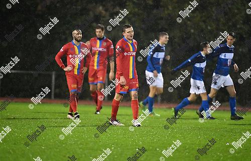 2016-11-12 / Voetbal / Seizoen 2016-2017 / FC Turnhout - Wellen / Teleurstelling bij wellen na de 3-0<br /> <br /> ,Foto: Mpics.be