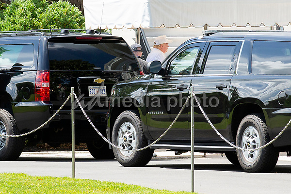 United States President Donald J. Trump walks in to the White House in Washington D.C., U.S., as he returns from Trump National Golf Club in Sterling, Virginia on Saturday, May 23, 2020.  Credit: Stefani Reynolds / CNP/AdMedia