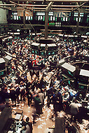 Manhattan, New York City, NY. October 20th 1987. <br /> Interior of the New York Stock Exchange on Wall Street the day after Black Monday, when stock markets around the world crashed.