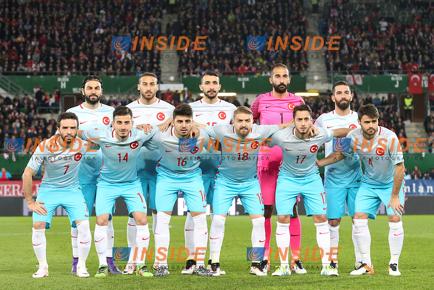 Formazione TURCHIA <br /> EQUIPE TURQUIE - OEFB international match, Austria vs Turkey, friendly match. Image shows the team from Turkey, in the back row: Selcuk Inan, Cenk Tosun, Mehmet Topal, Volkan Babacan and Arda Turan); in front row: Goekhan Goenuel, Oguzhan Oezyakup, Ozan Tufan, Caner Erkin, Hakan Calhanoglu and Ahmet Calik (TUR).  <br /> Foto Insidefoto