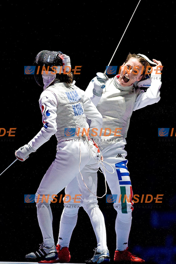 VALENTINA VEZZALI esulta alla vittoria con la Koreana NAM.Londra 28/7/2012 .Olympic Games London 2012.Olimpiadi Londra 2012.Foto Giovanni Minozzi / Insidefoto