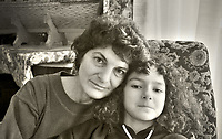 Michela Buscemi and her daughter, witness against mafia in one of the most important trial against mafia in Palermo on 1987, because of that she lost her job and her mother stopped relating to her.<br /> Michela Buscemi e la figlia, si &egrave; costituita parte civile nel maxi processo contro la mafia a Palermo nell'87, scelta che le ha causato l'alienazione dalla famiglia di origine e la perdita dell'attivit&agrave; commerciale, Palermo.