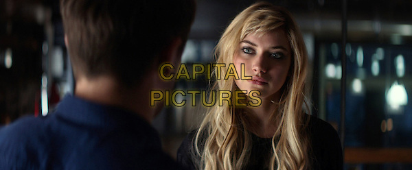 Zac Efron, Imogen Poots<br /> in That Awkward Moment (2014) <br /> *Filmstill - Editorial Use Only*<br /> CAP/FB<br /> Image supplied by Capital Pictures