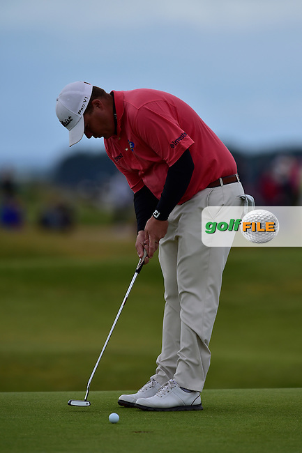 George Coetzee (RSA) putts on the 12th green during Friday's Round 2 of the 144th Open Championship, St Andrews Old Course, St Andrews, Fife, Scotland. 17/07/2015.<br /> Picture Eoin Clarke, www.golffile.ie