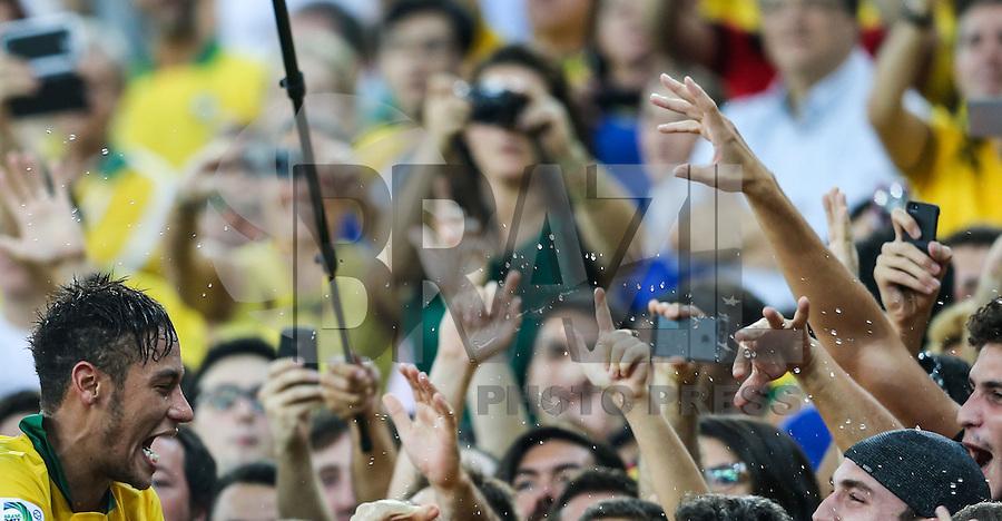 RIO DE JANEIRO, 30.06.2013 - COPA DAS CONFEDERAÇÕES - FINAL - BRASIL X ESPANHA - Neymar  após vitória por 3 a 0 sobre a Espanha na final da Copa das Confederações Estádio do Maracanã, na zona norte do Rio de Janeiro, neste domingo, 30. (Foto: William Volcov / Brazil Photo Press).