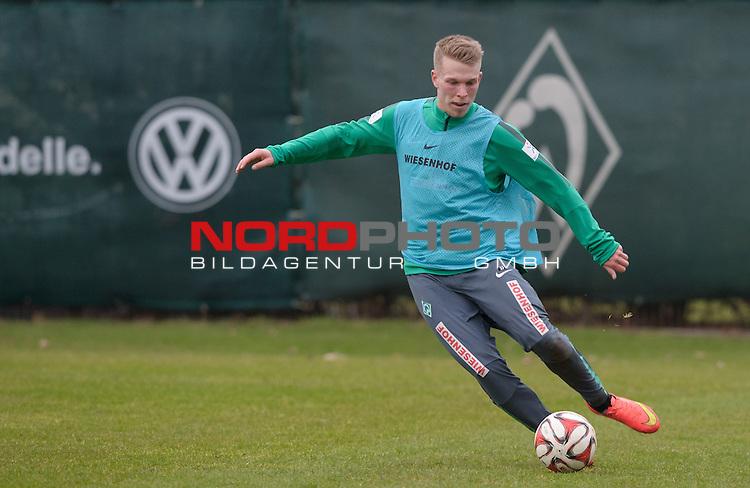25.02.2015, Trainingsgelaende, Bremen, GER, 1.FBL, Training Werder Bremen, im Bild Janek Sternberg (Bremen #37)<br /> <br /> Foto &copy; nordphoto / Frisch