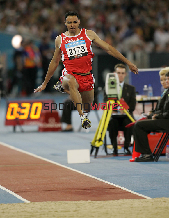 Steven Shalders.Commonwealth Games Athletics.Men's Triple Jump.Melbourne Exhibition Centre.Melbourne.25.03.06.©Steve Pope.Steve Pope Photography.The Manor .Coldra Woods.Newport.South Wales.NP18 1HQ.07798 830089.01633 410450.steve@sportingwales.com.
