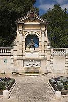 Europe/France/Midi-Pyrénées/46/Lot/Cahors: La Fontaine Clément Marot construite en 1895 et son jardin fait partie des jardins secrets de Cahors