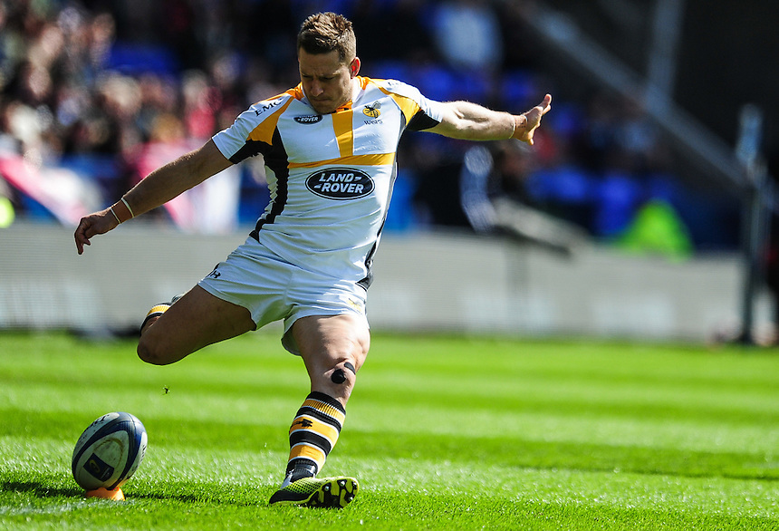 Wasps' Jimmy Gopperth converts his sides first try<br /> <br /> Photographer Craig Thomas/CameraSport<br /> <br /> Rugby Union - European Rugby Champions Cup Semi Final - Saracens v Wasps - Saturday 23rd April 2016 - Madejski Stadium - Reading<br /> <br /> &copy; CameraSport - 43 Linden Ave. Countesthorpe. Leicester. England. LE8 5PG - Tel: +44 (0) 116 277 4147 - admin@camerasport.com - www.camerasport.com