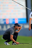 Danny Willett (ENG) on the 18th green during the 2nd round of the DP World Tour Championship, Jumeirah Golf Estates, Dubai, United Arab Emirates. 16/11/2018<br /> Picture: Golffile | Fran Caffrey<br /> <br /> <br /> All photo usage must carry mandatory copyright credit (© Golffile | Fran Caffrey)