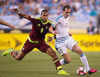 Action photo during the match Uruguay vs Venezuela at Lincoln Financial Field Stadium Copa America Centenario 2016. ---Foto  de accion durante el partido Uruguay vs Venezuela, En el Estadio Lincoln Financial Field Partido Correspondiante al Grupo - C -  de la Copa America Centenario USA 2016, en la foto: (I)-(D) Salomon Rondon, Diego Godin<br /> --- 09/06/2016/MEXSPORT/Osvaldo Aguilar.