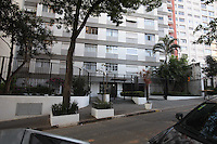 SAO PAULO, SP, 23/07/2012, FACHADA PREDIO ARRASTAO. Dezenas de moradores ficaram refens na noite de ontem no predio onde moram, situado a Rua Bela Cintra 67, varios homens armados fizeram um arrastao em varios apartamentos.  Luiz Guarnieri/ Brazil Photo Press.