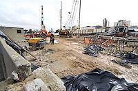 SAO PAULO, SP, 22/06/2012, ACIDENTE METRO. Dois operarios morreram na obra do Metro que fica na Av. Ibirapuera altura do 3.100,  depois que uma grua caiu.  Luiz Guarnieri/ Brazil Photo Press.