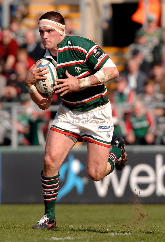 Photo: Richard Lane..Leicester Tigers v Stade Francais. Heineken Cup. 01/04/2007. .Tigers' Shane Jennings attacks.