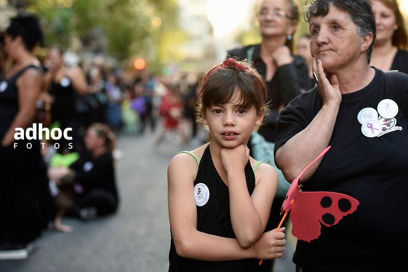 Nicolas Celaya/ URUGUAY/ MONTEVIDEO/ CENTRO<br /> En la foto, Marcha en el marco del D&iacute;a Internacional de la Eliminaci&oacute;n de la Violencia contra la Mujer por el centro de Montevideo. Nicol&aacute;s Celaya /adhocFOTOS<br /> 2016 - 25 de noviembre - viernes