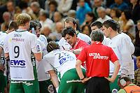 Technische Auszeit der Mannschaft von Frisch Auf, Trainer Velimir Petkovic (FAG) gibt Anweisungen