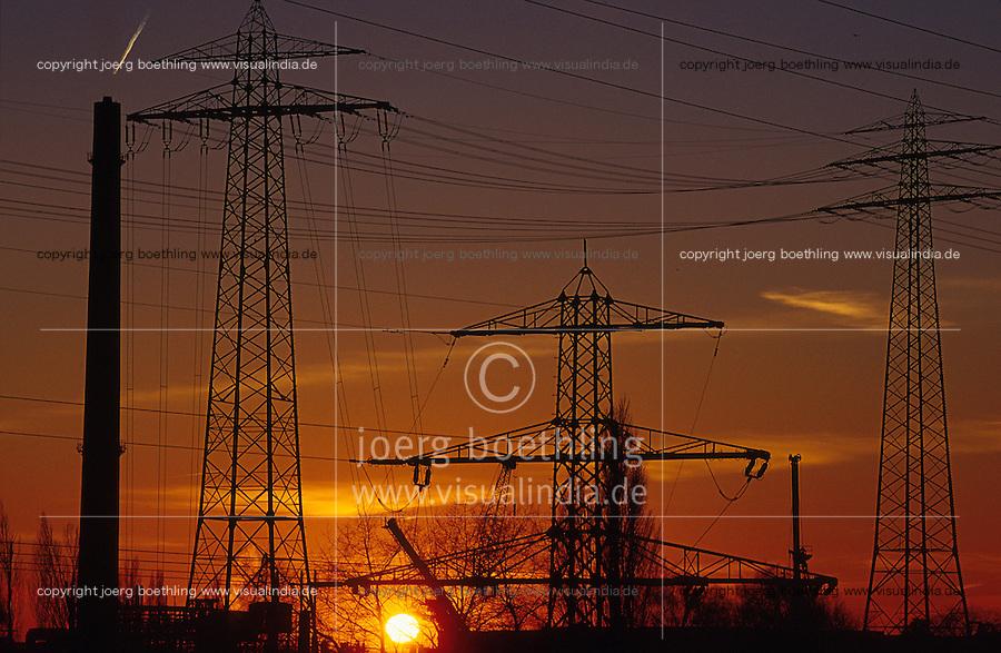 Energie Hochspannungsleitungen Strommast.von agenda Joerg Boethling Tel. ++49 40 39190714
