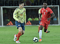 BOGOTA - COLOMBIA, 03-06-2019: James Rodriguez jugador de Colombia disputa el balón con Jose Luis Rodriguez jugador de Panamá durante partido amistoso entre Colombia y Panamá jugado en el estadio El Campín en Bogotá, Colombia. / James Rodriguez player of Colombia fights the ball with Jose Luis Rodriguez player of Panama during a friendly match between Colombia and Panama played at Estadio El Campin in Bogota, Colombia. Photo: VizzorImage/ Gabriel Aponte / Staff
