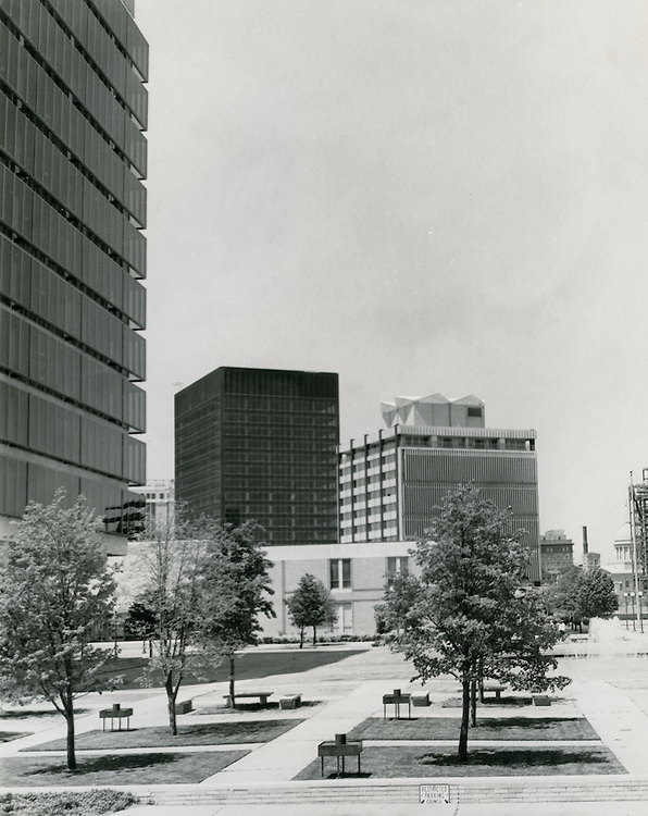 1969 May 29..Historical...Downtown South (R-9)..Downtown Financial District..Dennis Winston.NEG# DRW69-20-12.NRHA#..