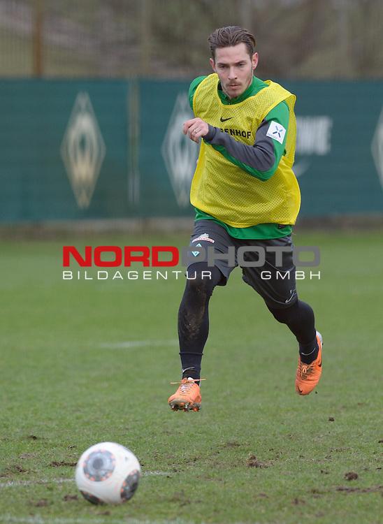 10.02.2014, Trainingsgelaende, Bremen, GER, 1.FBL, Training Werder Bremen, im Bild Ludovic Obraniak (Bremen #7)<br /> <br /> Foto &copy; nordphoto / Frisch