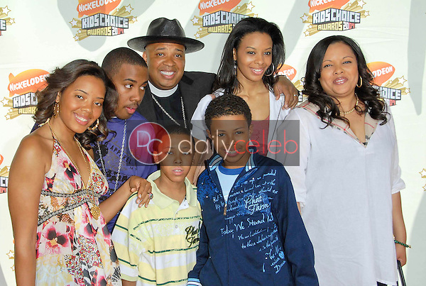Joseph Simmons and family<br />at Nickelodeon's 20th Annual Kids' Choice Awards. Pauley Pavillion, Westwood, CA. 03-31-07<br />Dave Edwards/DailyCeleb.com 818-249-4998