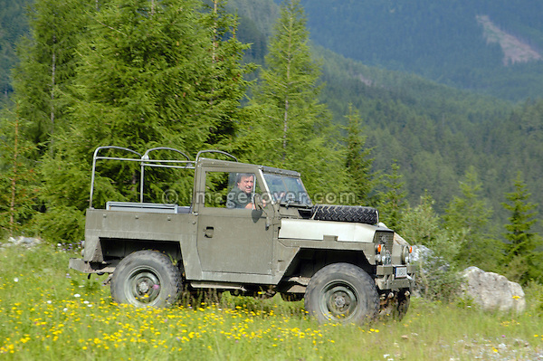 Austria, Boesenstein Offroad Classic, Hohentauern, Steiermark, 25-26.06.2005. Land Rover Serie 3 88 Lightwight, Reg: LISAIL1. --- No releases available. Automotive trademarks are the property of the trademark holder, authorization may be needed for some uses.