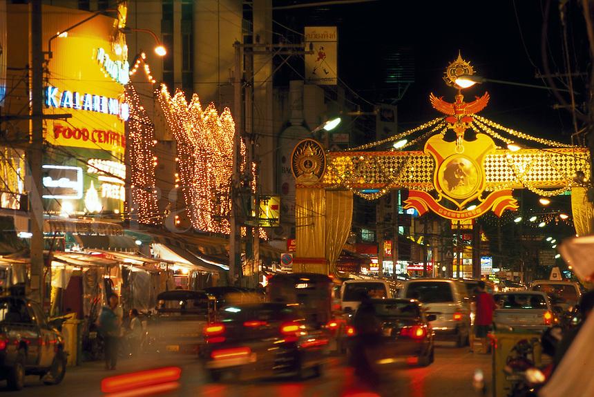 Street scene in Chaing Mai's Night Bazaar, Northern Thailand