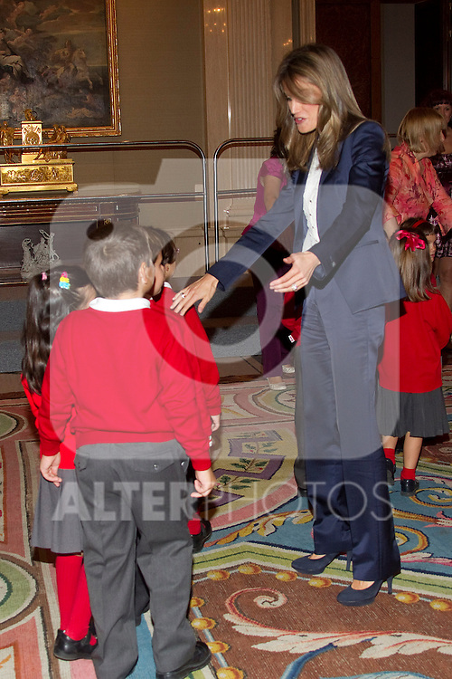 "MADRID, (27/09/2010).- Madrid Princess Letizia attended an audience to a representation of the Public School CEIP ""La Dehesa del Principe"" at Zarzuela Palace in Madrid. ..Photo: Cear Cebolla / ALFAQUI"