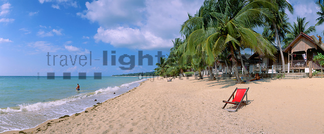 www.travel-lightart.com, ©Paul J. Trummer, Asia, Countries, Country, Geography, Thailand, Asien, Geografie, Länder, Siam, Staat, Staaten, Lamai Beach, Ko Samui, beaches, coast, coastal landcsapes, coastline, coastlines, coasts, landscape, landscape form, landscape forms, landscapes, palm beach, palm beaches, sand, sandy beach, sandy beaches, Küste, Küsten, Küstenlandschaft, Landschaftsform, Landschaftsformen, Meeresstrand, Palmenstrand, Palmenstrände, Sandstrand, Sandstrände, Straende, island, islands, Insel, Inseln, Gewässer, Golf von Siam, Golf von Thailand, Meer, Meere, Südchinesische See, Südchinesisches Meer, bodies of water, body of water, Gulf of Siam, Gulf of Thailand, sea, seas, south China sea