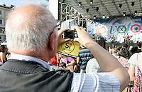 Manifestazione di chiusura della campagna elettorale per i referendim su energia nucleare, privatizzazione dell'acqua e legittimo impedimento, a Roma, 10 giugno 2011..Demonstration for the closure of the referendary campaign in Rome, 10 june 2011. Referendums on nuclear power, water supply privatization and legitimate impediment law are scheduled in Italy on 12 and 13 june..UPDATE IMAGES PRESS/Riccardo De Luca
