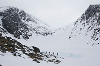 Turfølge på topptur i Seiland nasjonalpark en vårdag. ----- Skiers in Seiland National Park.