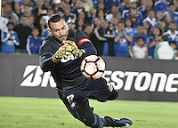 BOGOTA - COLOMBIA -08 -02-2017: Weverton, arquero de Paranaense, en acción durante partido entre Millonarios de Colombia y Atletico Paranaense de Brasil, por la segunda fase, llave 1 de la Copa Conmebol Libertadores Bridgestone 2017 jugado en el estadio Nemesio Camacho El Campin, de la ciudad de Bogota. / Weverton, goalkeeper of Paranaense, in action during a match between Millonarios of Colombia and Atletico Paranaense of Brasil, for the second phase, key1, of the Conmebol Copa Libertadores Bridgestone 2017 played at Nemesio Camacho El Campin in Bogota city. Photo: VizzorImage / Gabriel Aponte / Staff.
