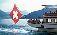 CHE, Schweiz, Kanton Luzern: Dampfschiff (Heckansicht) und Schweizer Flagge | CHE, Switzerland, Canton Lucerne, City Lucerne: steam boat and Swiss flag